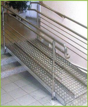 Пандус для инвалидов из нержавеющей стали